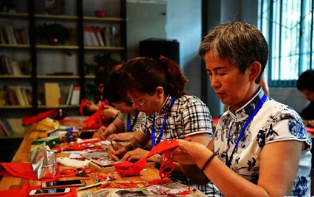 河南省舉行首屆傳統技藝大賽暨優秀作品展
