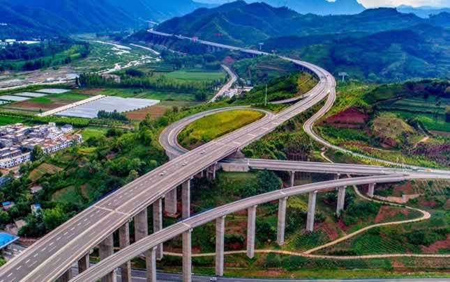 """【航拍】""""最美高速""""計劃2020年建成通車"""