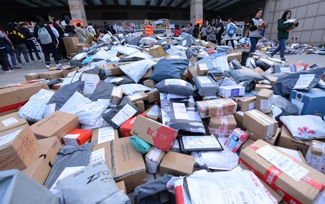 鄭州:雙十一過後 高校快遞爆倉