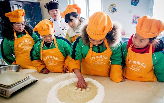河南滑县:乡村少年宫放飞孩子们的梦想