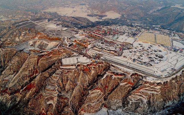 【飞阅中国】雪后陕州地坑院 丹青勾勒水墨画