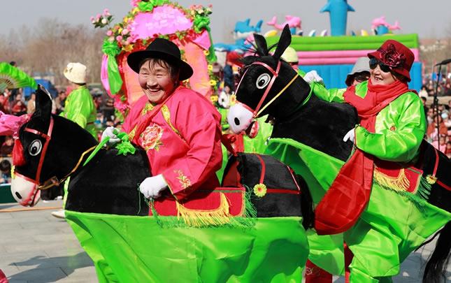河南温县:庙会绝活闹新春