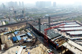 郑北大桥钢梁顶推施工启动