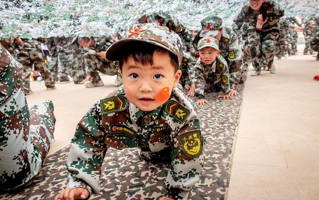 河南滑县:我是小士兵,从小练本领