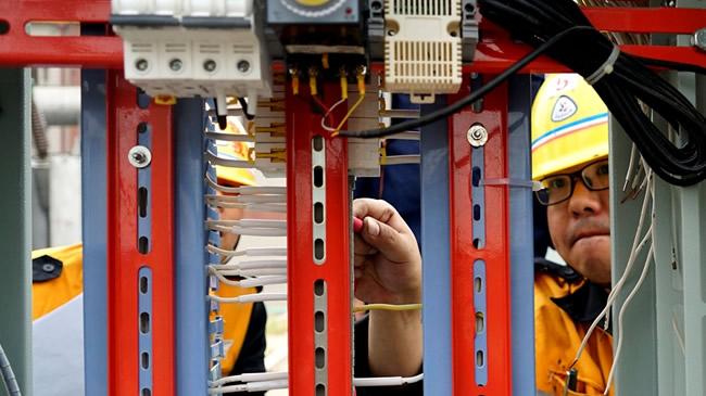 河南淇县:赛车7码滚雪球,开展京广线牵引变电所扩能改造施工