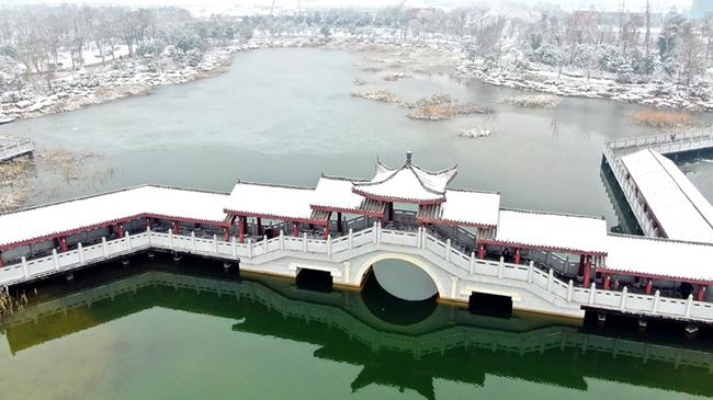 【航拍】雪後商丘日月湖