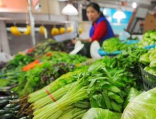 """同類蔬菜價格為何有漲有落 冬春品種""""換茬""""南北産地""""換班"""""""