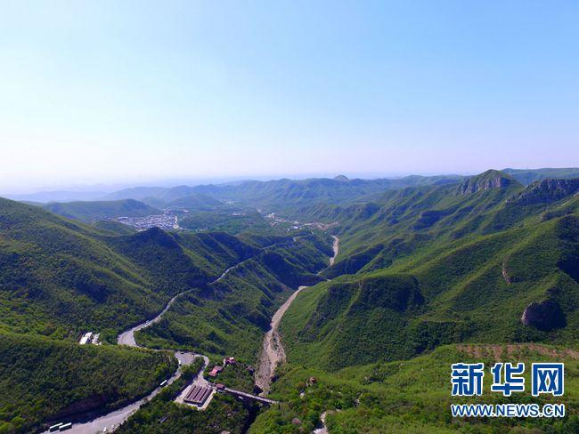 河南省践行绿色发展理念 山青水秀农田美