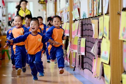 河南教育發展狀況:66人以上超大班額基本消除