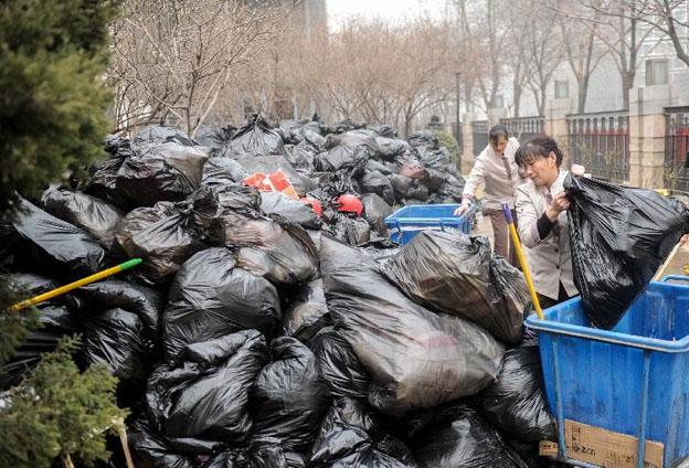 鄭州市實行的《辦法》主要有五個突出特點。鄭州剛剛處于生活垃圾分類的初期階段,難點、困難相對比較多。