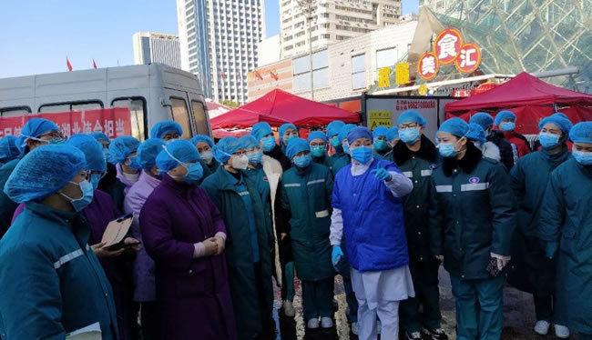 黃河三門峽醫院馳援武漢醫護人員進入方艙醫院開展工作