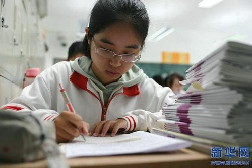 河南:全省警方全力護航高考安全