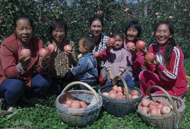 我做生意沒別的,誠信是前提,凡事讓別人一步。就想盡自己的努力,幫寺河山果農銷售更多蘋果。